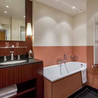 Hotel Castiglione - Deluxe Room - Bathroom